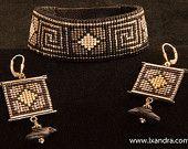 Greek Key Woven Beaded Bracelet or Cuff and por LXandraJewellery Bead Loom Designs, Beaded Jewelry Designs, Bead Loom Patterns, Seed Bead Jewelry, Bead Earrings, Bracelet Patterns, Bead Loom Bracelets, Woven Bracelets, Pochette Diy