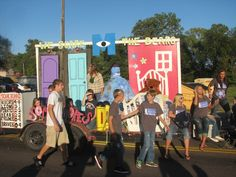 Monsters inc float Homecoming Poster Ideas, Homecoming Themes, Homecoming Parade, Homecoming Dresses, Disney Homecoming, Homecoming Floats, Halloween Parade Float, Homecoming Hallways, Monsters Inc Decorations