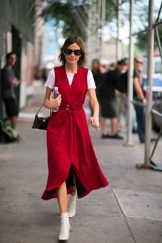 20 Style Tricks to Steal From the Effortlessly Cool Alexa Chung