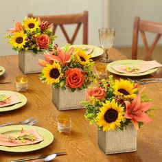 30 Elegant Thanksgiving Centerpieces Perfect For Spicing Up The Table – Wedding Centerpieces Sunflower Table Centerpieces, Sunflower Arrangements, Diy Centerpieces, Wedding Arrangements, Floral Arrangements, Bridal Shower Tables, Bridal Shower Decorations, Wedding Decorations, Table Decorations