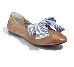 Fat ribbon replaces shoes laces