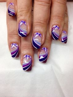Nageldesign Galerie – Nageldesign Bilder entdecken, bewerten und kommentieren – Top Of The World Purple And Silver Nails, Purple Nail Art, Purple Nail Designs, Best Nail Art Designs, Natural Nail Designs, Elegant Nail Designs, Cute Nails, Pretty Nails, Airbrush Nails