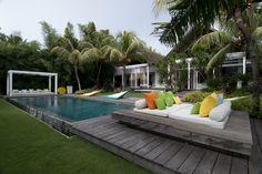 【スライドショー】バリ島の伝統的ジョグロハウスの基礎に立つデザイナーの邸宅 - WSJ.com