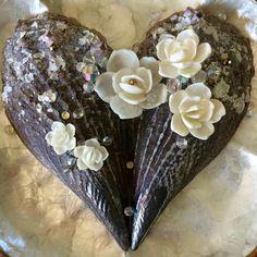 Flowers heart pen shell