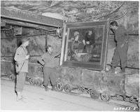 My Papa was one of the soldiers to help remove all the stolen items from the salt mines. ~AKH American soldiers discover Manet's 'In the Conservatory' hidden with other art stolen by the Nazis in the salt mines of Merker, Germany, Nagasaki, Hiroshima, World History, Art History, History Photos, National Geographic, Monument Men, Rare Historical Photos, Foto Real