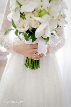 Casamento Ana Paula e Denis. Vestido de noiva A Modista. Sapato de noiva Juliana Bicudo. Samuel Marcondes Fotografias. #bouquet #casamento #smarcondes