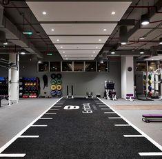 Fitness center - Studios - Home Gym Home Gym Basement, Home Gym Garage, Gym Room At Home, Home Gym Decor, Home Gyms, Home Gym Design, Garage Design, Fitness Design, Dream Home Gym