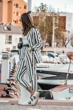 #traje #rayas #tendencia #lino #riñonera #sporty #sport #casual #bershka #lookfortime #look #ootd #outfit #sneakers