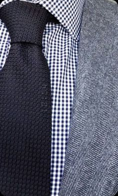 Retro knit tie