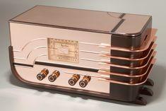 Sparton 558 'Sled' Radio Peach Mirror Walter Dorwin Teague Design