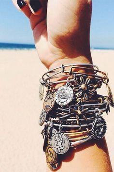 http://www.fashiontrendstoday.com/category/alex-and-ani-bracelet/