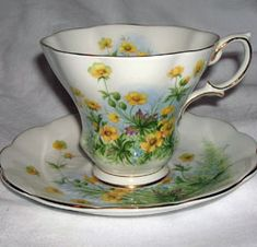 Royal Albert - S Page www.royalalbertpatterns.com Susan