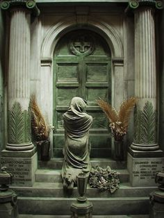 Cemitério Monumental de Staglieno Belas esculturas de cemitério 10