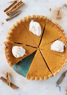 The best vegan pumpkin pie recipe Vegan Pumpkin Pie, Vegan Pie, Pumpkin Pie Recipes, Pumpkin Dessert, Pumpkin Pies, Vegan Desserts, Delicious Desserts, Vegan Recipes, Vegan Foods