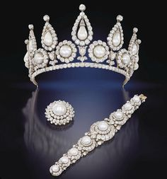 The Rosebery pearl and diamond tiara, bracelet and brooch. Belonged to Hannah Primrose, Countess of Rosebery.