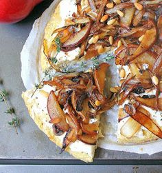 Onions Amp, Apples Aged, Apple Cheddar Pizza, Onions Walnuts, Apple ...
