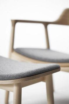 Curving upholstery following shape