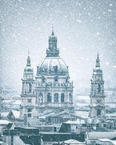 Budapest Magic City, Budapest Hungary, Eastern Europe, Capital City, Prague, Places To See, Paris Skyline, Taj Mahal, The Incredibles