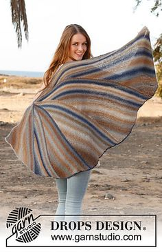 145-3 Jay bird - Shawl in garter st with short rows in Delight by DROPS design