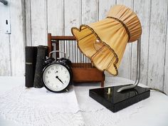 Vintage: Table Lamp - 20s Art Deco Bedside Lamp Cottage Chic Lighting
