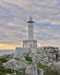 Puede existir una costa tan bonitiña y tan fotogénica . . . #Galicia #galiciamola #lighthouse #igers #costadamorte #presumedegalicia