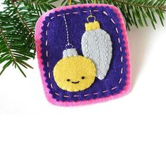 Embroidered Little Ornaments DIY Felt Ornament | Light up your Christmas tree with these DIY Christmas ornaments.