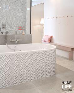 Landelijke badkamer met houtelementen | Toilet & Bathroom ...