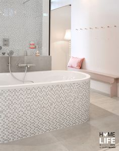 https://i.pinimg.com/236x/ab/14/b6/ab14b6139729e2af0c7d3ea589d038ce--bathroom-inspiration-bathroom-ideas.jpg