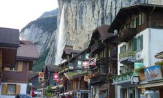 Lauterbrunnen Things to Do Lauterbrunnen is a picturesque village in Switzerland with a very small population but lovely views of the countryside. Main Street, Street View, Stuff To Do, Things To Do, Best Travel Deals, Countryside, Places Ive Been, Maine, To Go