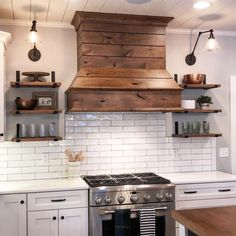 New farmhouse kitchen stove hood ideas Kitchen Vent Hood, Kitchen Stove, Kitchen Redo, Home Decor Kitchen, New Kitchen, Home Kitchens, Kitchen Remodel, Wood Hood Vent, Wood Range Hoods