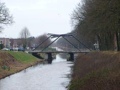 Enkele mooie wandelroute's in Drenthe zijn te vinden op www.schoonoordweb.nl kijken bij toerische informatie.
