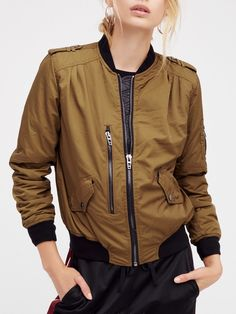 Un-Commom-Threads — This bomber jacket features a super easy and...