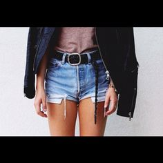 #fashion #style #clothes #inspiration #justgirlythings #girly #accessorize #instahub #instagood #instagram #instalove #instamood #instafashion #instagrammers #jj #jj_forum #tbt #like #like4like #likeforlike #follow #followme #shorts #jacket #denim #outfit #ootd #girl #model - @inspirationalfashion_- #webstagram Just Girly Things, Girls Jeans, I Fall, Denim Shorts, Denim Outfit, Autumn Winter Fashion, Like4like, Jackets, Outfits