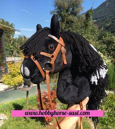Hobby Horse, Christmas Ornaments, Holiday Decor, Hobbies, Handarbeit, Sustainability, Christmas Jewelry, Christmas Decorations, Christmas Decor