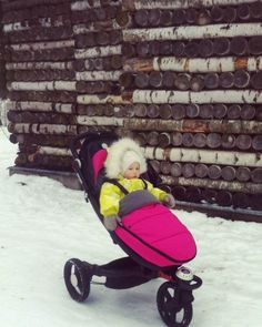 In the snow and Perfectly protected from the cold when in my BABYZEN ZEN :-) #BABYZEN #BABYZENZEN @natali_panfilova