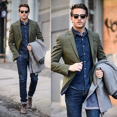 """""""BLOGGED: SoHo Stroll in @expressrunway - check out the pictures & shop the featured pieces on iamgalla.com now ✔ #ExpressMen (photos: @npierce88 )"""""""