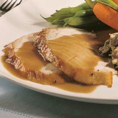 Sauce d'accompagnement pour la dinde farcie - Recettes - Cuisine et nutrition - Pratico Pratique Types Of Sauces, Marinade Sauce, Sauce Salsa, Homemade Seasonings, Chutney, Pesto, Curry, Good Food, Food Porn