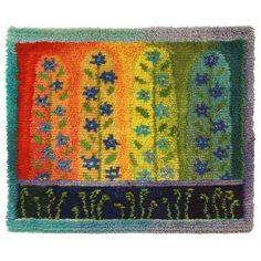 Kukkaportti ommellen 115 x 95 cm Rya Rug, Knit Art, Punch Needle Patterns, Rug Hooking Patterns, Textiles, Knit Crochet, Bohemian Rug, Weaving, Carpet