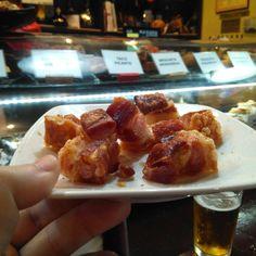 Alta Taberna Soria es, junto alCentro Soriano y al Bar El Picadillo, uno de los principales referentes de la gastronomía popular soriana en Zaragoza.  En esta tradicional casa, fruto del saber transmitido de generación a generación y con el cariño como estandarte, se ensalza la cocina soriana desde la pasión y el trabajo. #zaragoza #zaragozaguia #zgzguia #regalazaragoza #zaragozapaseando #zaragozaturismo #zaragozadestino #miziudad #zaragozeando #mantisgram #magicaragon  #igerszaragoza…