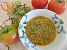 Pesto basilico e pomodoro http://www.cuocaperpassione.it/ricetta/ef2e1f4c-9f72-6375-b10c-ff0000780917/Pesto_basilico_e_pomodoro