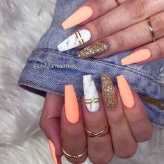 23 Stunning Ways To Wear Marble Nails Marble Nail Art Is . - 23 Stunning Ways to Wear Marble Nails Marble nail art has become very popular. Marble Acrylic Nails, Summer Acrylic Nails, Best Acrylic Nails, Coffin Nails Designs Summer, Coffin Nail Designs, Coral Acrylic Nails, Acrylic Nails Coffin Matte, Nail Summer, Coral Nails