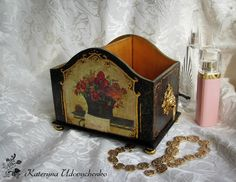 Decoupage. Open wooden box for everything:) Kartin White picture.
