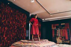 How to wear Red on Red Ethnic Fusion Ethnic Fusion Saree Fashion Vintage Chic Kimono Streetwear Styling Photoshoot Saree Fashion, Wear Red, Saree Styles, Fashion Vintage, Streetwear Fashion, Ethnic, Street Wear, Kimono, High Neck Dress