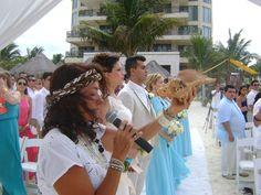 Una hermosa ceremonia tan espiritual, como emotiva. Rescata nuestras costumbres prehispánicas.