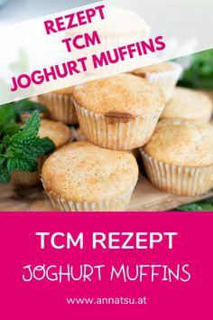 Joghurt-Muffins sind auch aus Sicht der TCM der perfekte Snack für Zwischendurch. Sie sind schnell zubereitet und super praktisch zum Mitnehmen. #muffin #gesundersnack #ernährung #tcm Muffins, Super, Breakfast, Cake, Tricks, Food, Fitness, Acidic Foods, Food Food