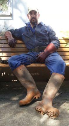 Worker Boots, Working Man, Bear Men, Safe For Work, Best Jeans, Denim Jeans, Overalls, Handsome, Guys