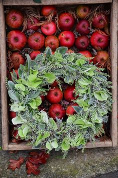 Fall door wreath - a wreath that dries ... with lamb's ears, white heather Calluna, Spanish moss, and hydrangea. | Lilies and tulips