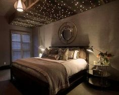 Amazing Master Room Love the pallet with lights