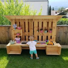 Kids Outdoor Play, Kids Play Area, Backyard For Kids, Outdoor Fun, Play Areas, Outdoor Play Kitchen, Diy Mud Kitchen, Kids Yard, Outdoor Play Spaces