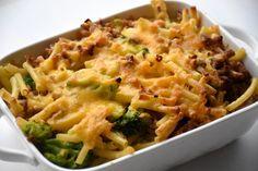 Eens de temperaturen weer de laagte in gaan, kan een hartige ovenschotel altijd smaken. Dat is ook het geval met deze pastaschotel met gehakt en broccoli, de maagjes zijn weer gevuld! Deze ovenscho…